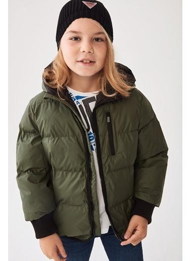 Guess Erkek Çocuk Yeşil Mont Yeşil
